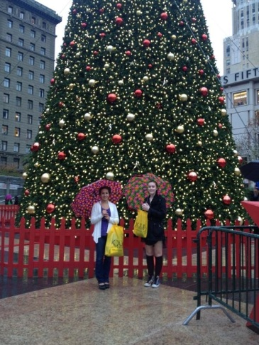 (Rebekah Larose and Sophie Lee at the Christmas tree in Union Square downtown San Francisco, CA)