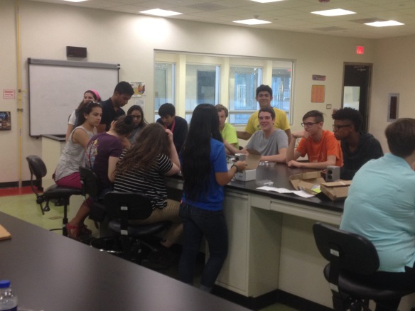 BFA and Hartford HS students learn from PR students about tree identification and soil analysis at José Aponte de la Torre HS in Carolina, PR.