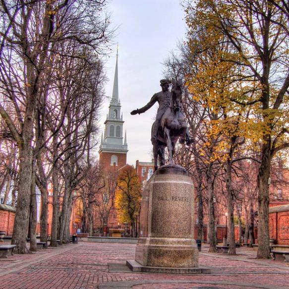 Statue of Paul Revere.